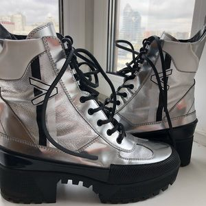 Louis Vuitton Silver Metallic Laureate Boots